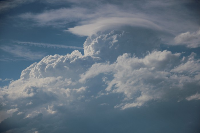 Pileus nad prudce rostoucím cumulonimbem - autor: Jan Džugan