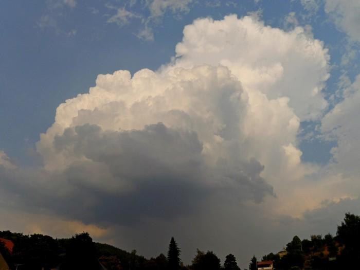 Sílící bouřka - autor: Jan Džugan