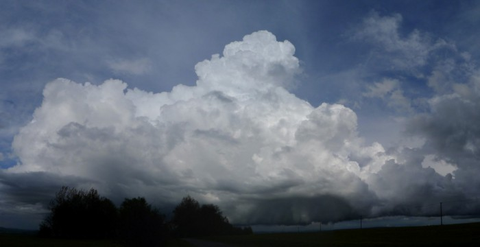 Panorama vznikající bouřky - autor: Jan Džugan