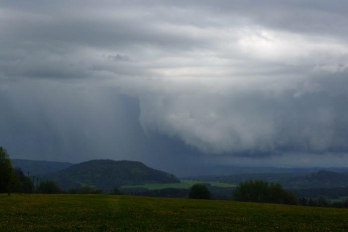 Základna bouřky III - autor: Jan Džugan