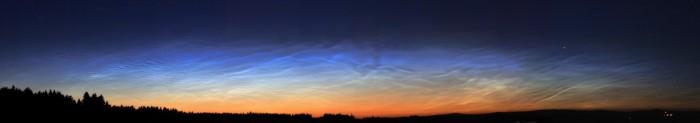 Noční svítící oblaka - 10.7.2015 - panorama - autor: Daniel Neumann