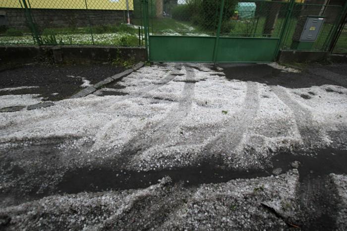 Krupobití na Příbramsku - 23.5.2016 - autor: Daniel Neumann