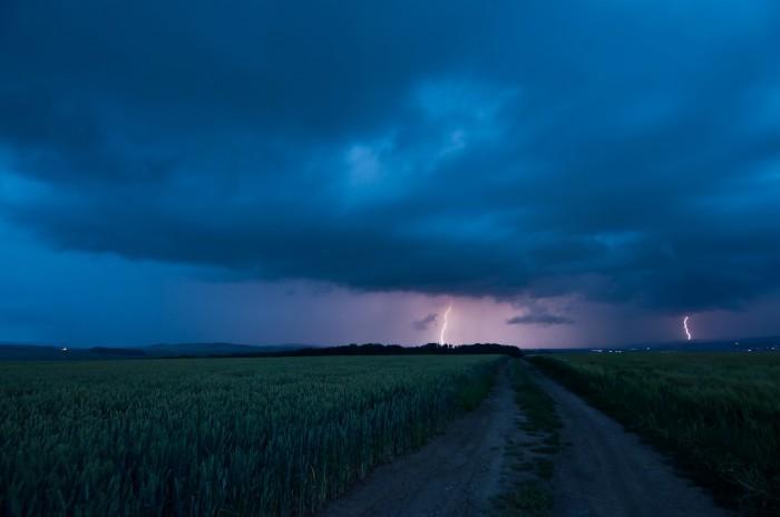 Přibližující se čelo bouře - autor: Jan Švarc
