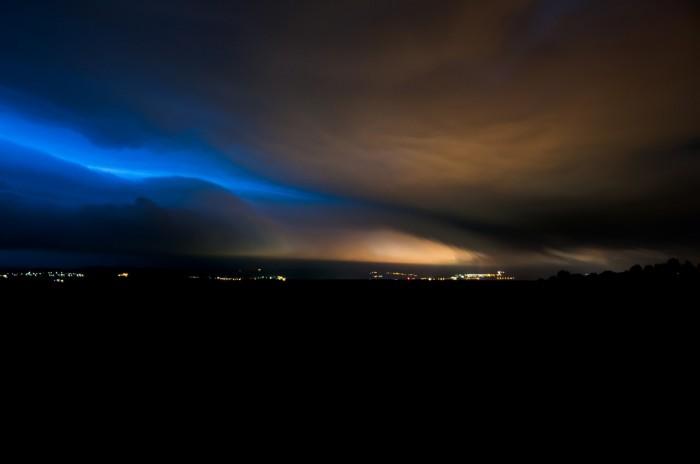 Noční nasvícený shelf cloud - autor: Jan Švarc