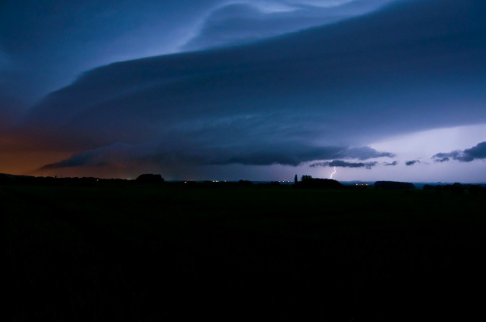 Mohutný shelf cloud - autor: Jan Švarc