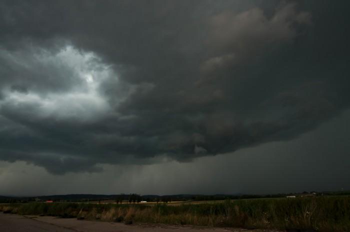 Čelo bouře nad hlavou - autor: Jan Švarc