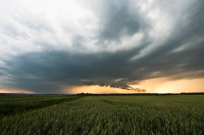 Supercela nasvícená pozdním sluncem II - autor: Jan Švarc