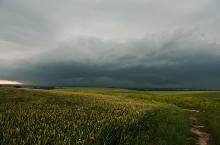Vzdálený shelf cloud - autor: Jan Švarc