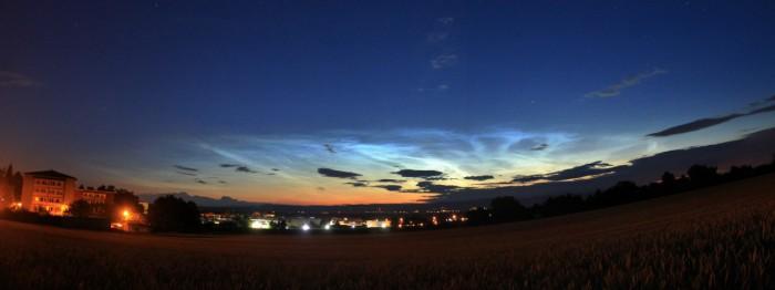 Panorama ranních NLC - autor: Ondřej Boháč