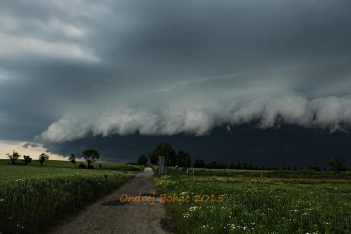 Příchod Shelf cloudu - autor: Ondřej Boháč