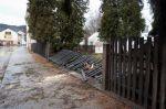 Škody po pádu stromu - autor: Lukáš Ronge