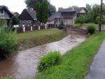Potok po opadnutí vody uDomu spečovatelskou službou - autor: Tomáš Prouza