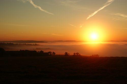 východ slunce súdolní mlhou - autor: Tomáš Novotný
