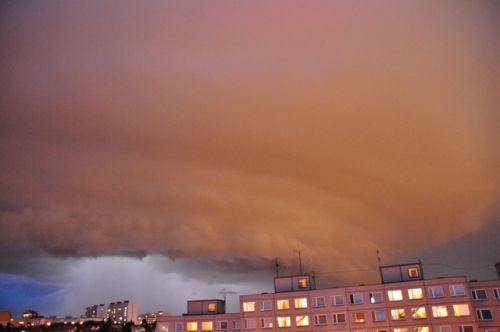Supercela nad Prahou se zábleskem - autor: Kristina Helena Kudlová