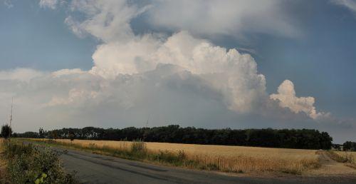 Panorama rozvíjející se bouře - autor: Miroslav Sedlmajer