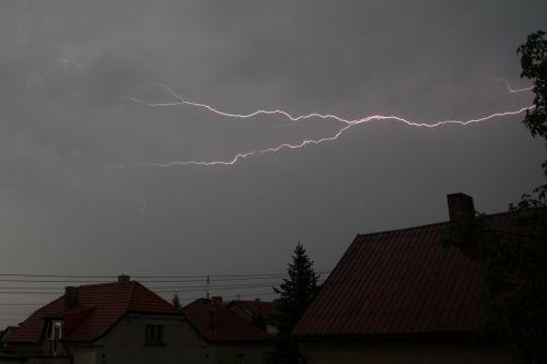 CC blesk na ustupující a slábnoucí bouři - autor: Miroslav Sedlmajer